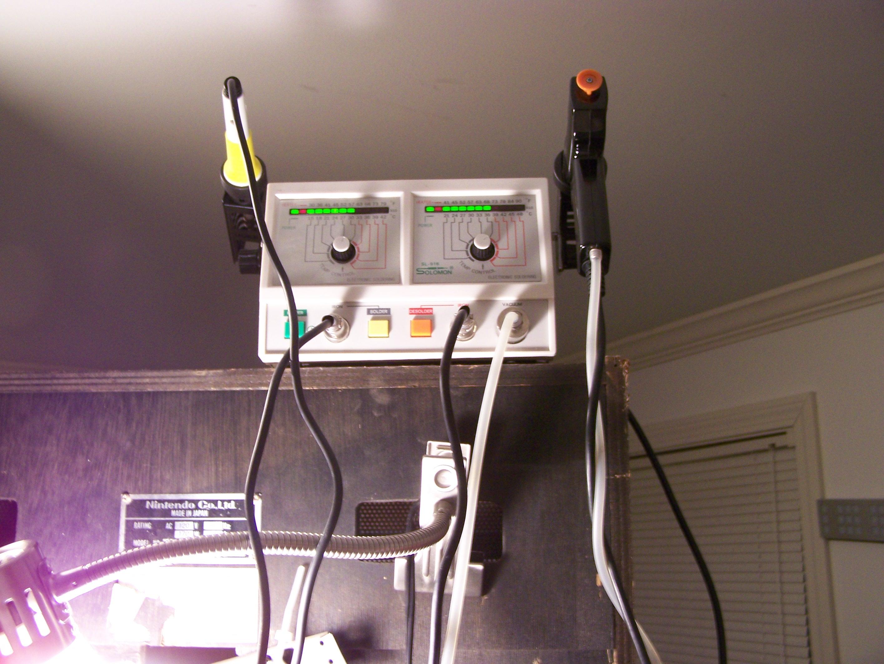 Soldering/Desoldering Station